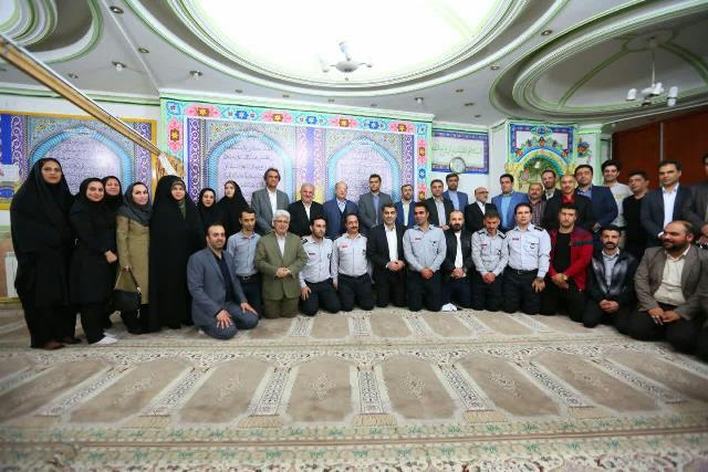 6FFD8857 CDBF 434A 8154 02903789C3A6 - مراسم تجلیل از فرزندان معزز شهید شاغل در شهرداری رشت برگزار شد